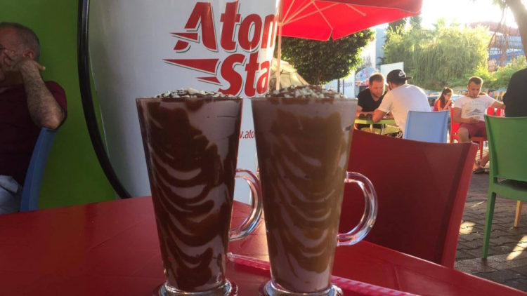 Tropical atom station alanya, juice bar alanya, juice cafe alanya, atom drik alanya, oplevelser i alanya, cafeer i alanya, alanya blog, alanya blogger, dansk i tyrkiet, hverdagen i tyrkiet, udlandsdansker i tyrkiet